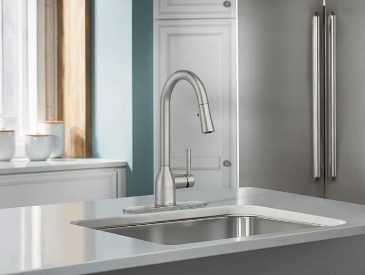 Moen's zinc, stainless steel finished single-handle pull-down faucet