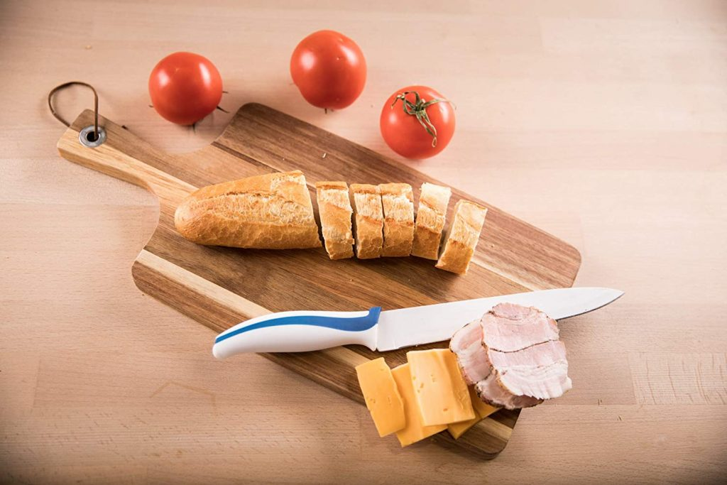 HomePro's Premium Acacia Wood Cutting Board with Handle
