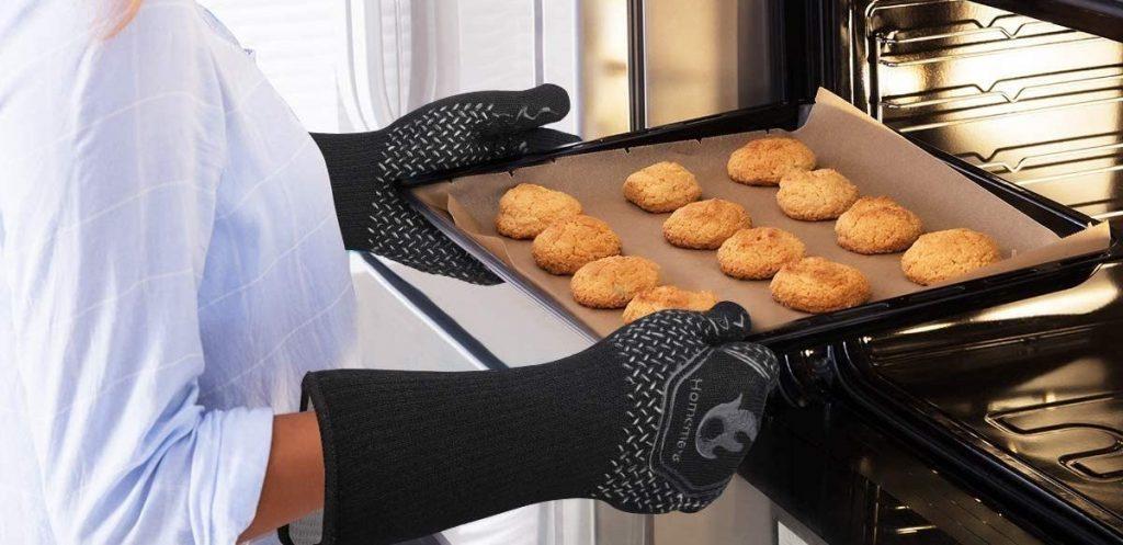 Homemaxs' extreme heat resistant BBQ gloves