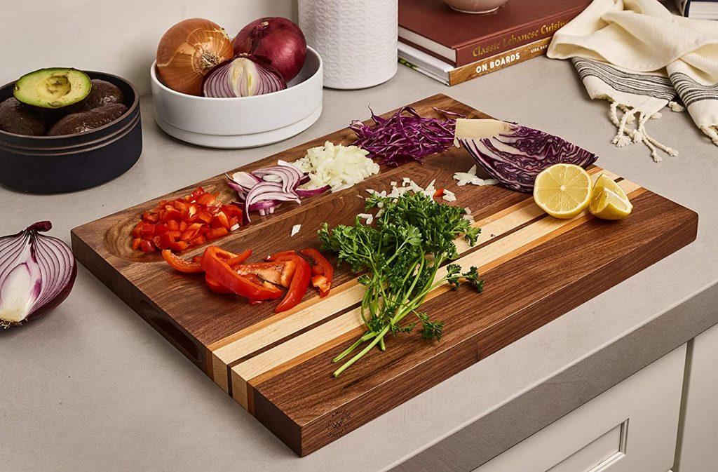 Sonder Los Angeles' reversible wood cutting board