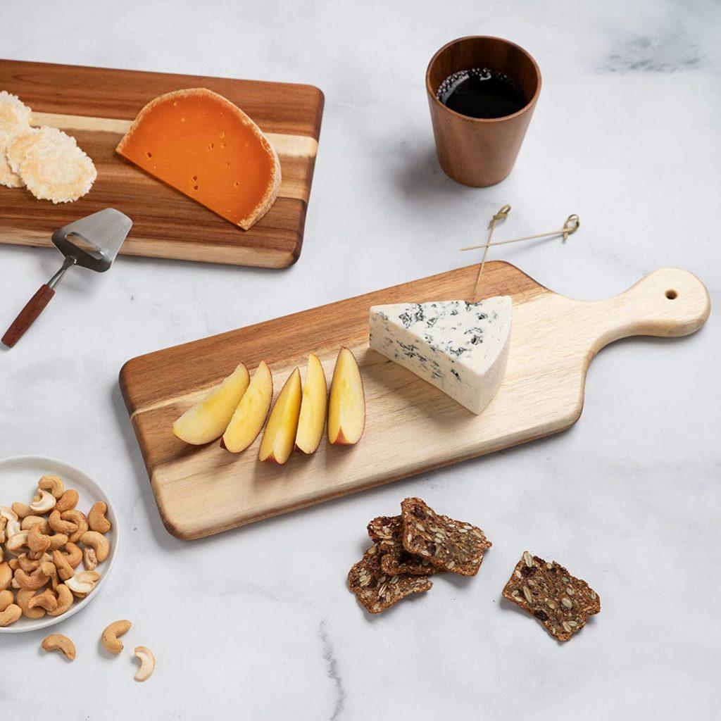 Thirteen Chefs' villa acacia wooden cheese board with bread board
