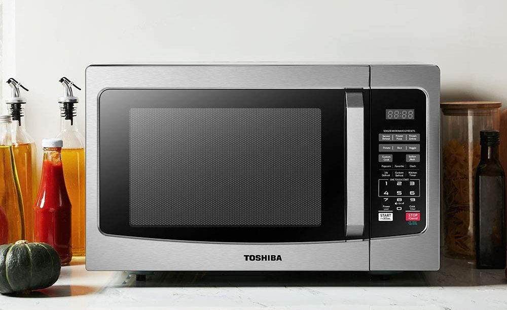 Toshiba's microwave with smart sensor and easy-clean interior