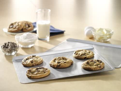 USA Pan's warp-resistant aluminumized steel cookie sheet